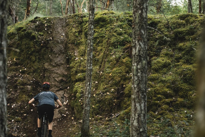 Video: Max McCulloch Styles It Up On His XC Bike