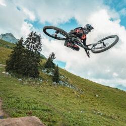 Video: Mattéo Iniguez Is Fast & Stylish at the Leysin Bike Park