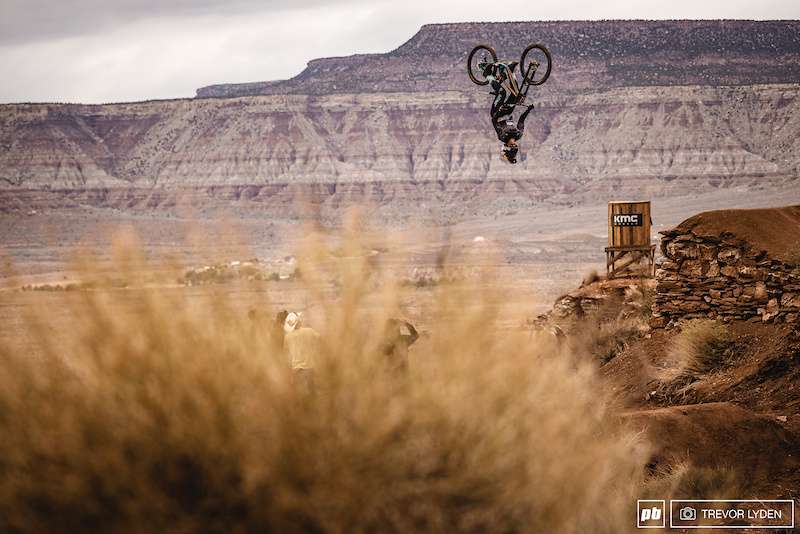 Photo Epic: A Condensed Session – Red Bull Rampage 2021